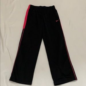 Girl's Nike therms-fit sweatpants Large